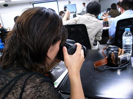 カメラ女子にみる「α300」の魅力。(1)