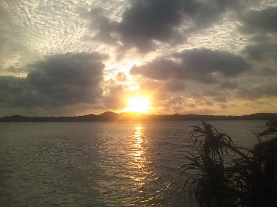 【沖縄離島8日目】小浜島の朝焼け